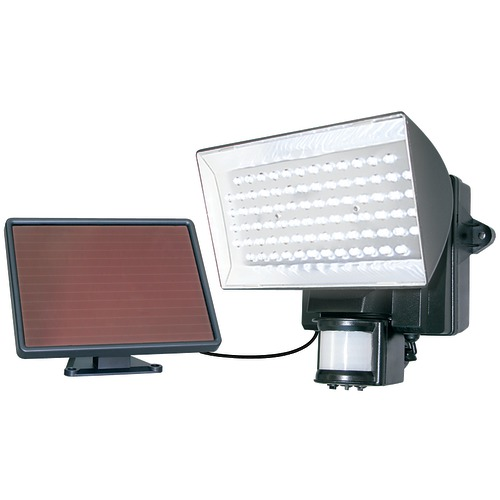 maxsa innovations solar-powered 80-led motion-activated outdoor security floodlight (black)